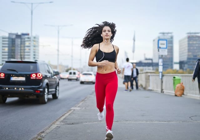 woman with energy from methylcobalamin or cyanocobal jogs